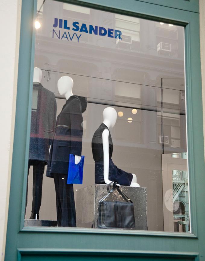 Store-window-04-05