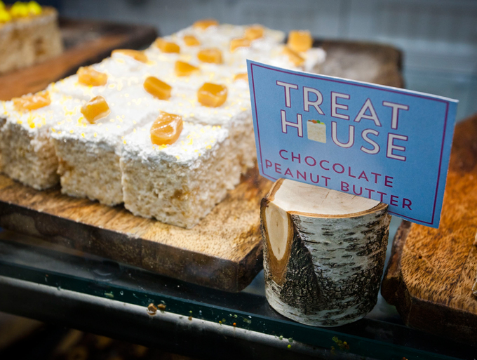 A Few Weeks Ago I Heard About Place Called Treat House In The Upper West Side That Sold Rice Crispy Treats Original Flavors Such As Birthday Cake